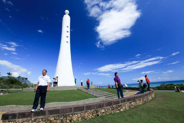 This is a panoramic view of the Tropic of Cancer Monument standard