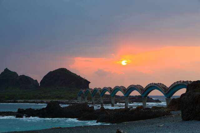 This is a beautiful sunset Sansiantai