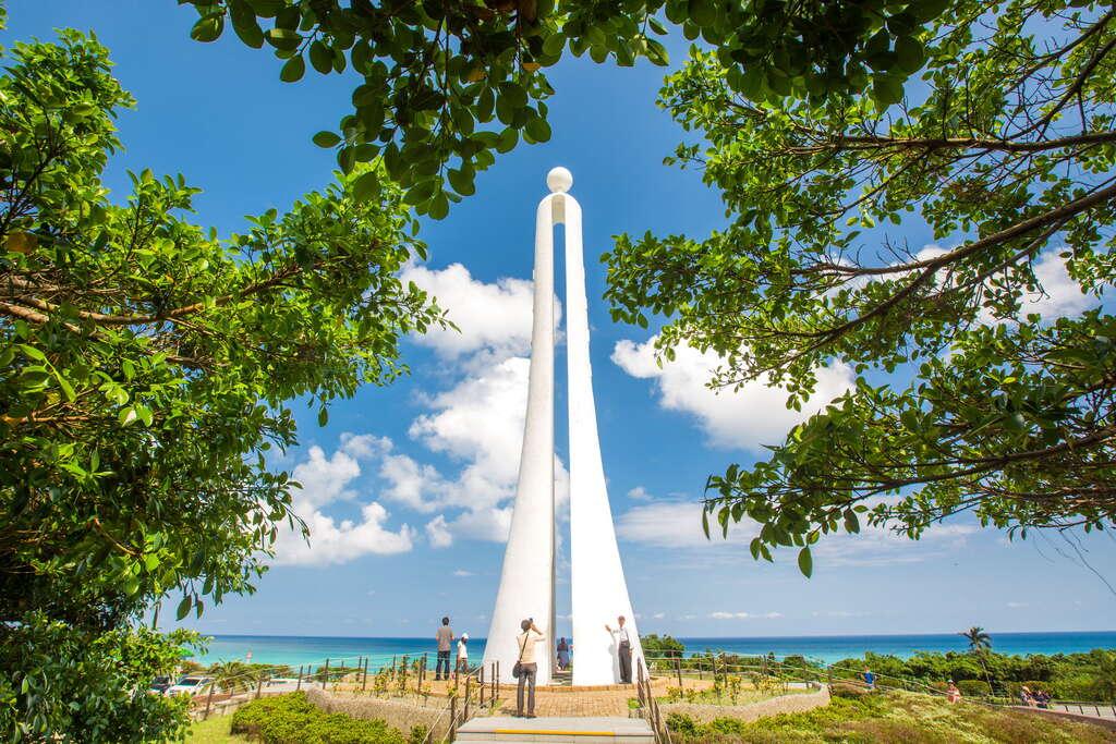 北回歸線標碑坐擁太平洋的美景