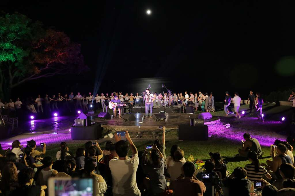 2019 Moonlight Sea Concerts Calling for Performers 'The Next Wave'